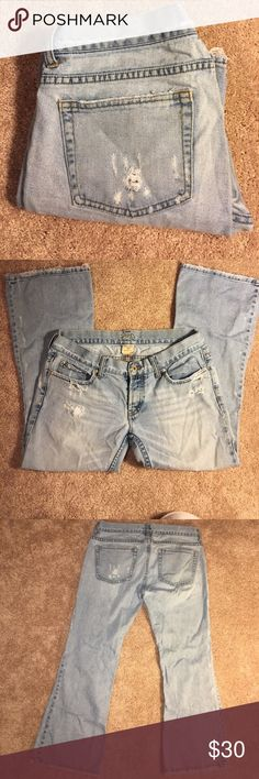 NWOT Distressed Jean Cropped Make an Offer!!!!!! NWOT distressed jeans. Soft jean material, light wash, great for summer! Joe's Jeans Jeans
