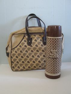 Pipers Scotch Large Thermos with Carrying Bag Bowling Picnic Whiskey Beige Brown 70s