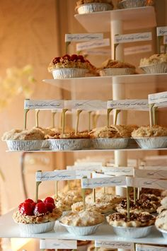 a fall wedding dessert bar with cute and tasty mini pies is right what you need to make your wedding cozier - Weddingomania Mini Quiches, Mini Pies, Mini Cheesecakes, Dessert Bars, Dessert Ideas, Dessert Buffet, Dessert Stand, Dessert Tables, Pi Day Wedding
