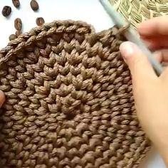 Crochet for beginners videos – Örgü – Korb Crochet Bag Tutorials, Crochet Videos, Crochet For Beginners, Crochet Crafts, Crochet Projects, Free Crochet, Knit Crochet, Learn Crochet, Crochet Scrubbies