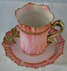 I love the bow on the saucer.Vintage Pink Tea Cup with Gold Pink Tea Cups, Vintage Cups, Vintage Pink, Antique Tea Cups, Vintage Beauty, Teapots And Cups, Tea Service, My Cup Of Tea, Tea Cup Saucer