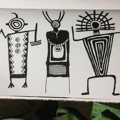 Nite figures.#petroglyphs #100dayproject #drawriotdaily #draw2017 #the100dayproject #southwestern Arte Tribal, Tribal Art, Indian Symbols, Native American Symbols, Southwestern Art, Arte Popular, Indigenous Art, Gourd Art, Aboriginal Art