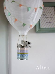 Hot air Balloon lamps for the kids! A really cute addition to a kids room ! #DIY! - EH