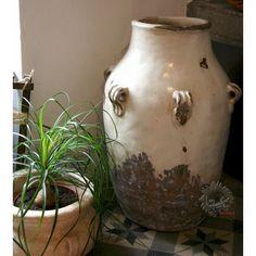 poterie grand cache pot jarre geranium pinterest poterie pots et design moderne. Black Bedroom Furniture Sets. Home Design Ideas