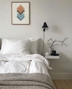within satisfactory limits to our Scandinavian bedroom photo gallery showcasing lots of Scandinavian master bedroom ideas of every types. Nordic Bedroom, Scandinavian Bedroom, Home Decor Bedroom, Master Bedroom, Single Bedroom, Ikea Bedroom, Interior Livingroom, Scandinavian Style, Bedroom Photos