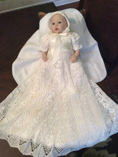 Heirloom Vintage style Christening gown crochet par EmporiumHouse