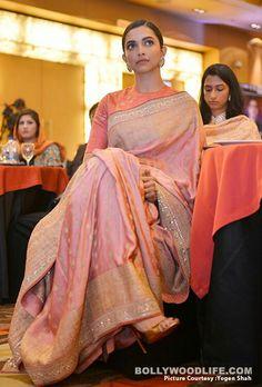 Bollywood actress Deepika padukone in saree at an event Trendy Sarees, Stylish Sarees, Indian Bridal Outfits, Indian Designer Outfits, Indian Attire, Indian Ethnic Wear, Bollywood Designer Sarees, Dress Indian Style, Indian Blouse