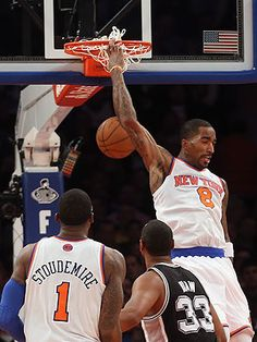 J.R. didn't see the finish, but Knicks fans couldn't take their eyes off it. (Bruce Bennett/Getty Images)