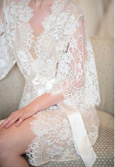 Swan Queen lace and silk bridal robe kimono – style 104 nude Brautkleid Kimono aus Spitze und Seide Lingerie Bonita, Belle Lingerie, Pretty Lingerie, Wedding Lingerie, Beautiful Lingerie, Hot Lingerie, Classic Lingerie, Luxury Lingerie, Women Lingerie