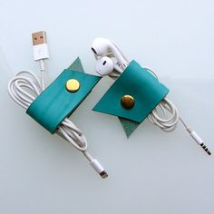 Earbud / earphone / cable organizers in turquoise vegetable tanned leather by RinartsAtelier