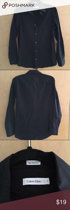 Calvin Klein button down top Great condition! Calvin Klein Tops Button Down Shirts