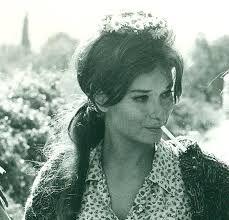 "Résultat de recherche d'images pour ""lea massari"" Lea Massari, 80s Fashion Icons, Italian Actress, Italian Beauty, Style Icons, Vintage Fashion, Hollywood, Celebs, Glamour"