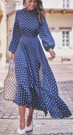 Buy latest fashion dresses for women online, various stylish dresses for your needs, find trendy sexy dresses, casual dresses & more womens dresses with affordable prices. Striped Dress Outfit, Dress Outfits, Fashion Dresses, Casual Dresses, Maxi Dresses, White Dress, Floral Dresses, Fashion Clothes, Fashion Accessories