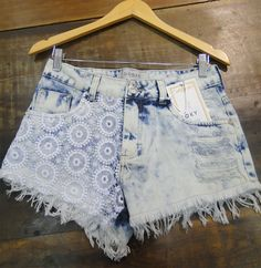 PRÉ-REQUISITO - Short Jeans R$182,00