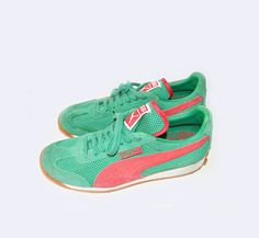 Vintage PUMA sneakers - coral & emerald colors