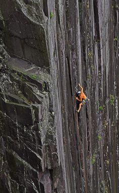Ride the Wild Surf` is a classic rock climb in the old Dinorwic Slate Quarries, North Wales.The climber is Alun Hughes aged 60 and still going stronger than ever ! Escalade, Kayak, Trekking, Ice Climbing, Extreme Sports, Climbers, Bouldering, The Great Outdoors, Places To Go