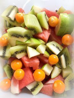 AIP on the go - AIP4life Smoked Salmon, Food Preparation, Fruit Salad, Smoothies, Avocado, Eat, Smoothie, Fruit Salads, Lawyer