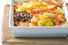 Kijk wat een lekker recept ik heb gevonden op Allerhande! Aardappel-wortelschotel met Quorngehakt Quorn, Pasta, Sashimi, Oven Baked, Cobb Salad, Stew, Side Dishes, Good Food, Veggies