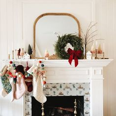 Beautiful, Modern Christmas Fireplace Mantle Decor - I can't wait to decorate our mantle for Christmas this year! I am falling in love with the dried - Christmas Fireplace, Farmhouse Christmas Decor, Christmas Mantels, Fireplace Mantle, Christmas Decorations, Fireplace Ideas, Garland Mantle Christmas, Merry Little Christmas, Modern Christmas