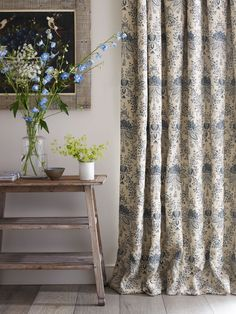 From our Whitewood collection, these curtains have a stunning lotus design printed using a colour blocking technique throughout.