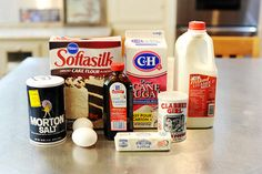 Perfect Pioneer (woman) Pancakes 3 cups Plus 2 T Cake Flour 1/2 teaspoon Salt 3 Tablespoons Baking Powder 2 Tablespoons Sugar 2 cups Milk 2 whole Large Eggs 3 teaspoons Vanilla 4 Tablespoons Butter Extra Butter Maple Or Pancake Syrup Preparation Instructions Mix together dry ingredients in large bowl.