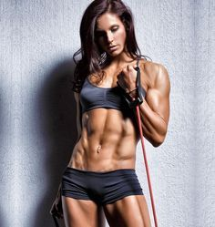 Strong Is The New Skinny: 10 Reasons Why Women Should Lift Weights