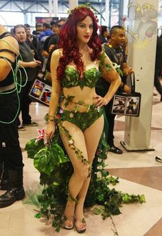 Cosplay Girls of 2011 (40 pics) If I ever did a Batman cosplay I'd probably be Poison Ivy.