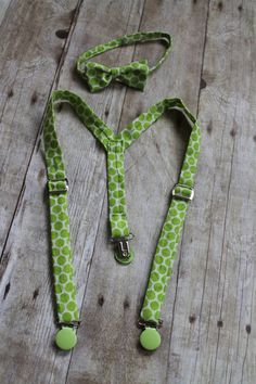 Perfect for daddy! White with Lime Green Dot pattern 100 Cotton par Christinesbowtique, $20.00