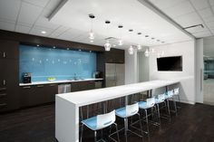Colliers International SSDG Interiors Inc 8 700x466 Colliers International   Vancouver Offices