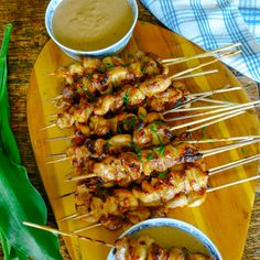 The Greatest Chicken Satay! Recipe Main Dishes with chicken thighs garlic chillies soy sauce coconut oil honey water coconut oil onions chillies garlic peanut butter honey coconut milk fish sauce soy sauce Good Food, Yummy Food, Tasty, Asian Recipes, Healthy Recipes, Snacks Für Party, Appetisers, Fish Sauce, Soy Sauce