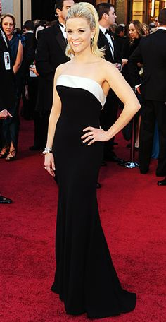 Reese Witherspoon, in my opinion, another celebrity that never breakpoints in the Red Carpet. Here in  Giorgio Armani for the Oscars 2011 (LOVE that hair!)