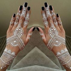 Beautiful #henna design :heart_eyes: . . . #hennadesign #art #diversewedding #bridalstyle #beauty