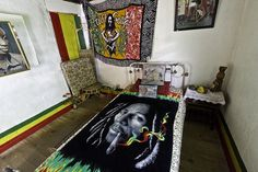 Nine Mile (Jamaica). 'Although they've  been sadly over-commercialized,  the birthplace and tomb  of Bob Marley still attract  thousands of faithful.' http://www.lonelyplanet.com/jamaica/sights/museum/nine-mile-museum