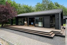 Black Line - Se vores designlinie Black Line - Stenhøj Husene A/S Prefab Cottages, Solid Wood Platform Bed, Home Design Plans, Interior Exterior, Amazing Architecture, Home Fashion, Tiny House, New Homes, House Design