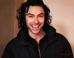 The Dark Poldark - redsangre: :) Baby Aidan… my gif. Aidan Turner Kili, Aidan Turner Poldark, Aiden Turner, Poldark 2015, Demelza Poldark, Ross Poldark, Being Human Uk, Ross And Demelza, Out Of Touch