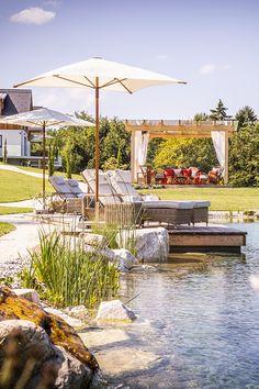 Golden Hill Parkanalage mit 600 m² verträumten Naturschwimmteich Golden Hill, Alpine Garden, Hotels, Spa, Relax, Exterior, Patio, Outdoor Decor, Summer