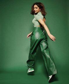 Indian Celebrities, Bollywood Celebrities, Bollywood Fashion, Bollywood Actress, Bollywood Stars, Kareena Kapoor Khan, Black Leather Pants, Leather Trousers, Alia Bhatt