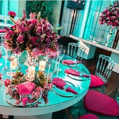 15 years pink and green water theme flower decoration picture result Tiffany Rose, Tiffany Sweet 16, Party Decoration, Flower Decorations, Wedding Decorations, Table Decorations, Bride Groom Table, Pink Table, Teal And Pink