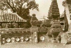 De kraton Kasepuhan, Cheribon Datebetween 1920 and 1933 Dutch East Indies, Cirebon, Old Pictures, Monument Valley, Paris Skyline, Nature, Travel, Java, Design