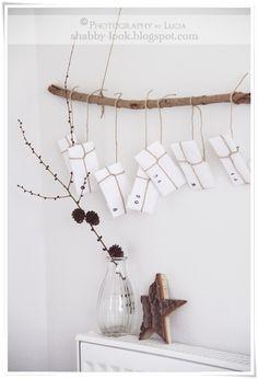deko baum zum h ngen bestehend aus 9 verschieden langen sten die mit nylonf den verbunden. Black Bedroom Furniture Sets. Home Design Ideas