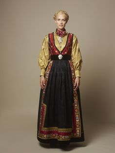 Hundreårsdrakten – festdrakt til dame – Eva Lie Design Clothing Hacks, Apparel Design, Costume Design, Traditional Outfits, Russia, Fashion Dresses, Elegant, Clothes, Folklore
