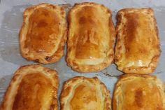 Συνταγή για πεντανόστιμες κιμαδόπιτες που θα γλείφετε τα δάχτυλά σας Hot Dog Buns, Hot Dogs, Bread, Food, Brot, Essen, Baking, Meals, Breads