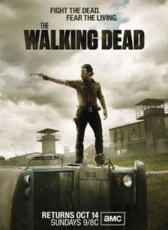 Meno di un mese all'esordio su Fox della terza stagione di The Walking Dead: 16 episodi complessivi in onda a sole 24 ore di distanza dall'edizione americana. Guarda il video con Robert Kirkman.