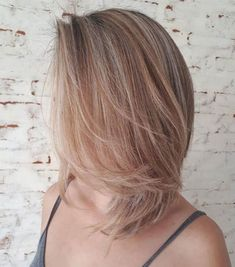 50 Best Medium Length Hairstyles for Thin (& Extremely Fine) Hair - 50 Best Medium Length Hairstyles for Thin (& Extremely Fine) Hair - Source link Thin Hair Haircuts, Bob Hairstyles For Fine Hair, Chic Hairstyles, Short Hairstyles For Women, Beautiful Hairstyles, Bobs For Thin Hair, Full Hair, Shoulder Length Hair, Hair Inspiration