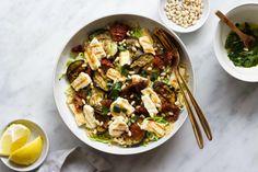 Japanse ramen soep met paddenstoelen, paksoi en noedels - Feelgoodbyfood Halloumi, Ravioli, Couscous, Kung Pao Chicken, Eating Well, Quinoa, Vegetarian Recipes, Good Food, Veggies