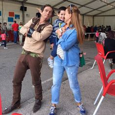 Nos hemos encontrado un #elfo#duende#existennnnn!!! #familyplacerartesano#mercadomedievalpoladegordon# by placerartesano
