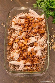 Reteta libaneza de pui cu orez este una din cele mai gustoase si mai aromate retete de orez pe care Bob Lung, Lebanese Recipes, Arabic Food, Fried Rice, Crockpot Recipes, Carne, Chicken, Ethnic Recipes, Foods