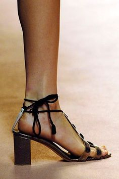 Alberta Ferretti Spring 2006 Ready-to-Wear collection, runway looks, beauty, models, and reviews. Alberta Ferretti, Ready To Wear, Fashion Show, Peep Toe, Vogue, Sandals, Spring, Heels, Model