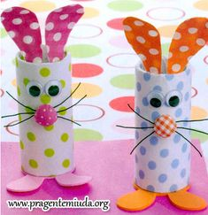 Toilet Paper Roll Crafts - Get creative! These toilet paper roll crafts are a great way to reuse these often forgotten paper products. You can use toilet paper rolls for anything! creative DIY toilet paper roll crafts are fun and easy to make. Spring Crafts, Holiday Crafts, Fun Crafts, Arts And Crafts, Snowman Crafts, Toilet Paper Roll Crafts, Toilet Paper Rolls, Hoppy Easter, Easter Bunny