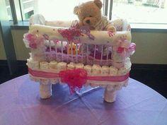 Diaper cake, baby shower cake Bebe Shower, Kit Bebe, Towel Cakes, Couches, Girl Diaper Cakes, Diaper Babies, Nappy Cakes, Baby Shower Diapers, Baby Shower Fun